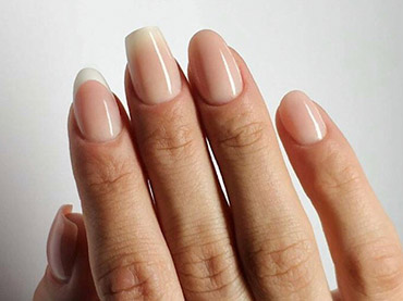 Pose-de-faux-ongles.jpg